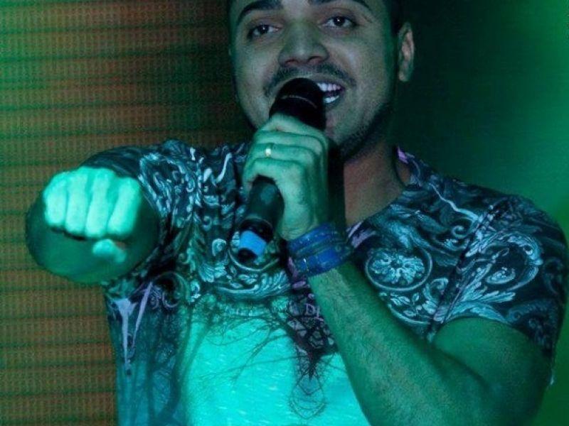 Final de semana tem show de Tirullipa e Grupo D2 em Penedo