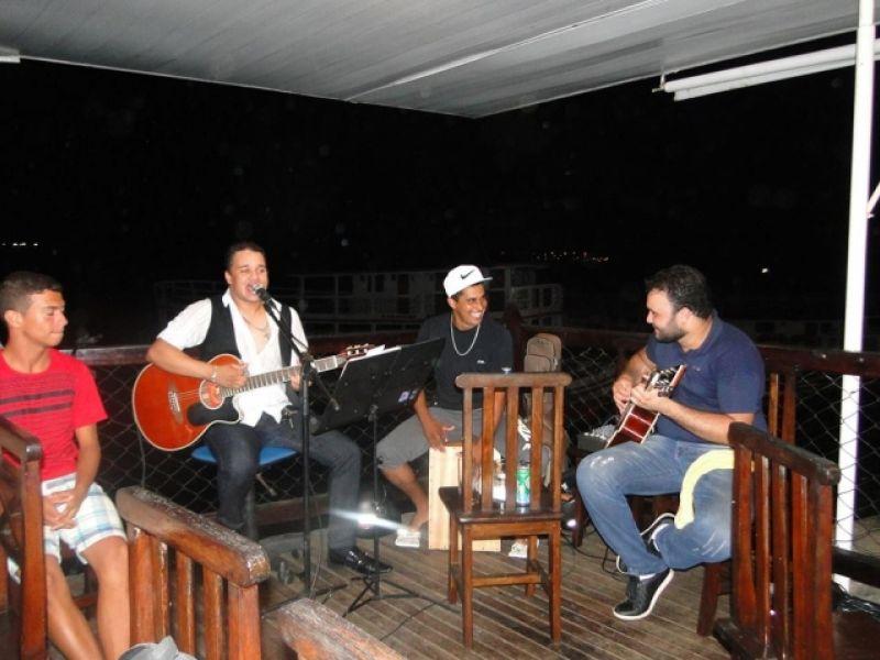 Thiago Pinheiro e Maxylene animam fim de semana em Penedo