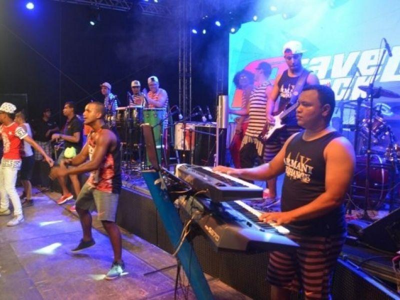 Favella Black e DJs irão animar Penedo no fim de semana