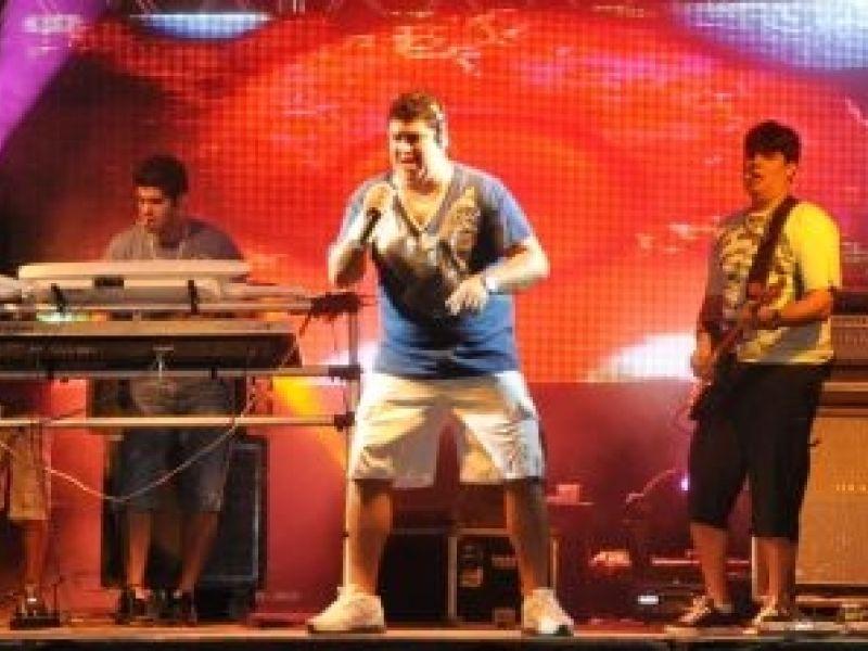 Jonas Esticado e Trio da Huanna fazem a festa em Penedo no fim de semana