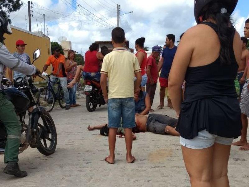 Em plena luz do dia, criminosos encapuzados executam jovem em Penedo