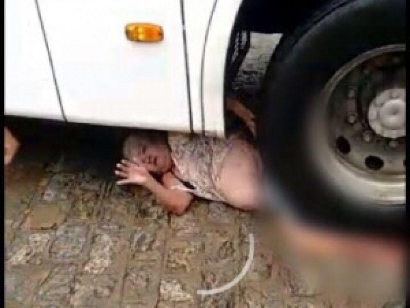Idosa atropelada por ônibus segue em estado grave após amputação de perna