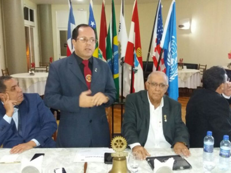 Rotary Club de Penedo empossa novo conselho diretor para o biênio 2017/2018