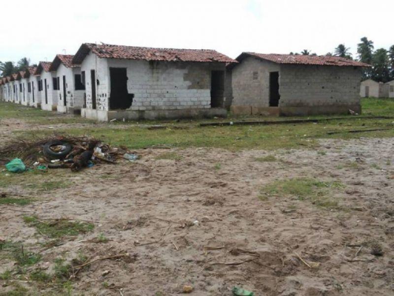 Governo e Prefeitura de Piaçabuçu agilizam construção de mais um conjunto habitacional
