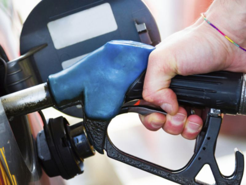 Justiça Federal suspende aumento de impostos sobre combustíveis