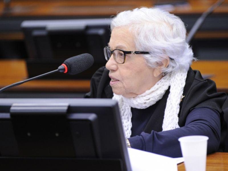 Aprovado desconto de 50% para idosos na renovação da Carteira de Habilitação