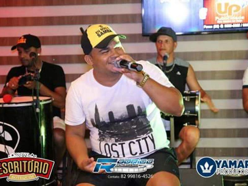 Tonny Santos, Marcelo Magalhães e Luciano Vitalle são atrações do fim de semana em Penedo