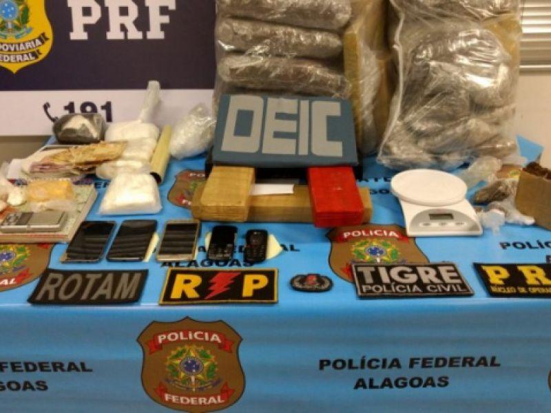 Acusados de tráfico são presos com cerca de meio milhão de reais em drogas