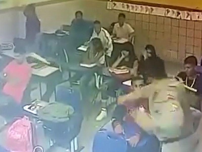 Sargento é punido por Corregedoria após agredir estudante dentro de escola