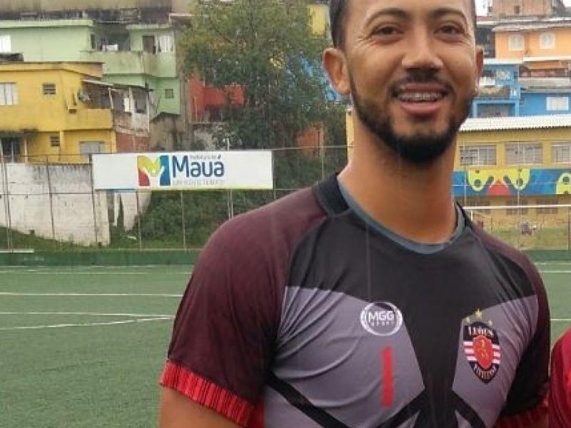 Empresário fecha negociação e ex-goleiro do Penedense é contratado por time colombiano