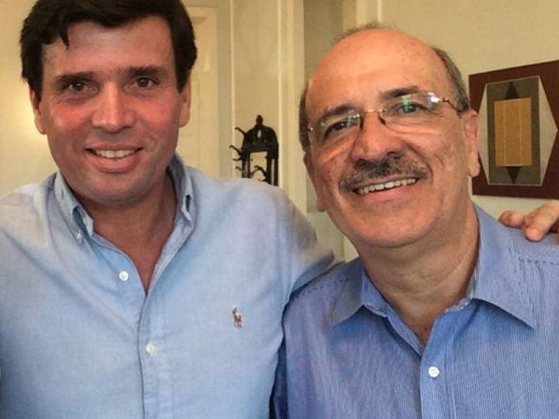 Após viagem internacional, Március Beltrão reassume Prefeitura de Penedo