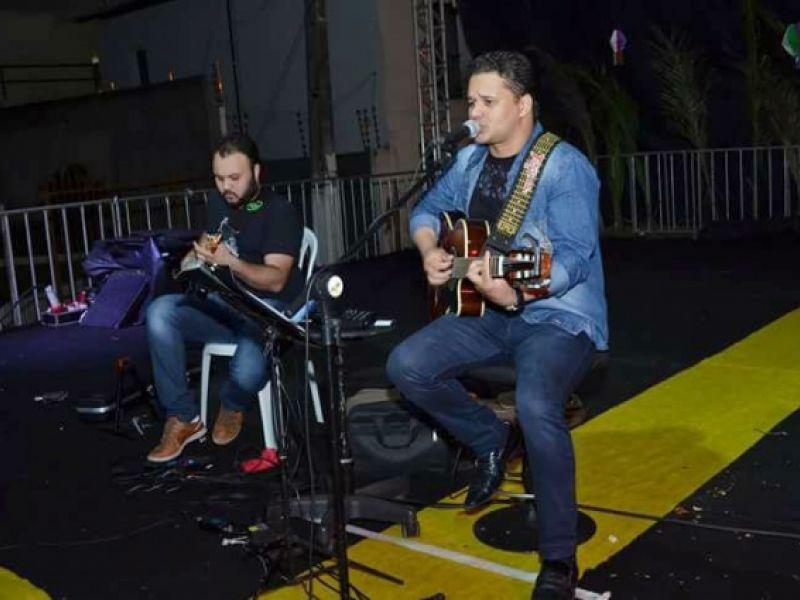 Thiago Pinheiro e Tonny Santos são atrações para o fim de semana em Penedo