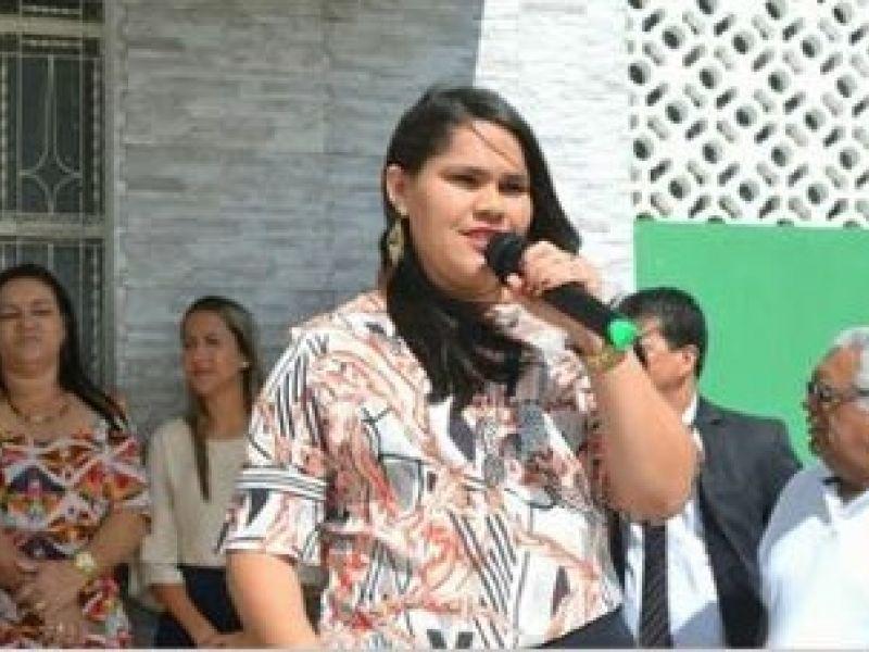 Keity Darlean preenche vazio deixado pelo prefeito de Piaçabuçu na Semana da Pátria