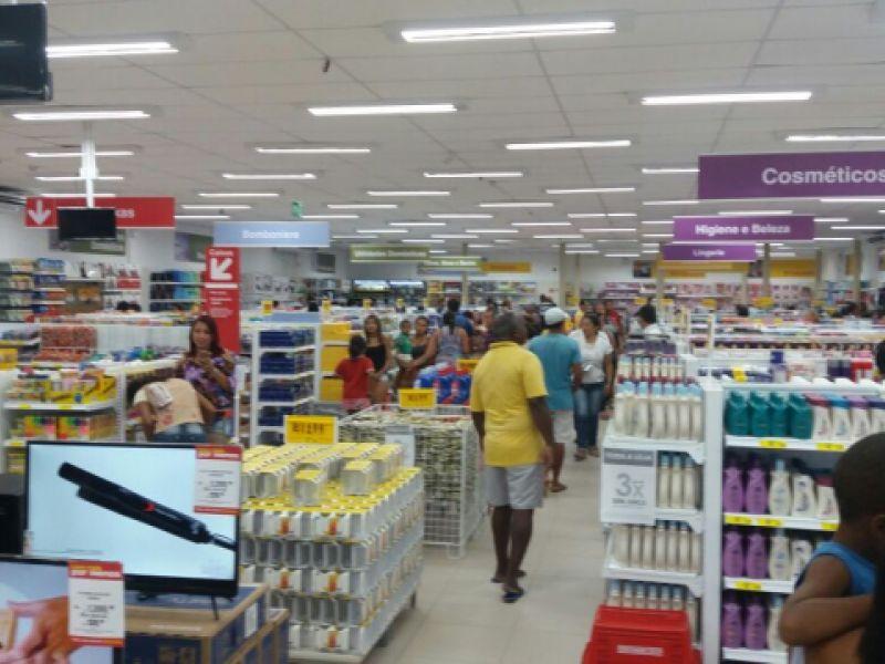 """De forma tímida, """"Lojas Americanas"""" inaugura filial no comércio de Penedo"""