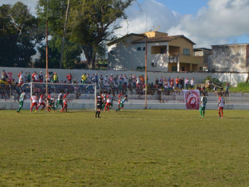 Jogando em casa, Penedense vence time de União dos Palmares por 2 a 0