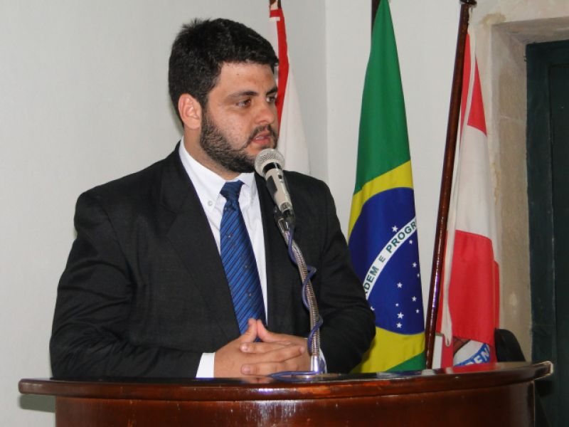 Vereador Nelsinho destaca viagens de Március Beltrão a Brasília em busca de recursos