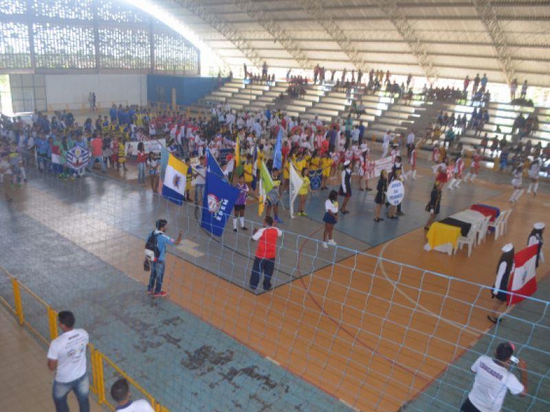 Fotos: Prefeitura promove Jogos Estudantis da Primavera na cidade de Penedo