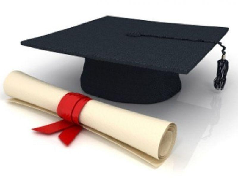 Educação proíbe instituições de ensino de cobrar por emissão de diploma