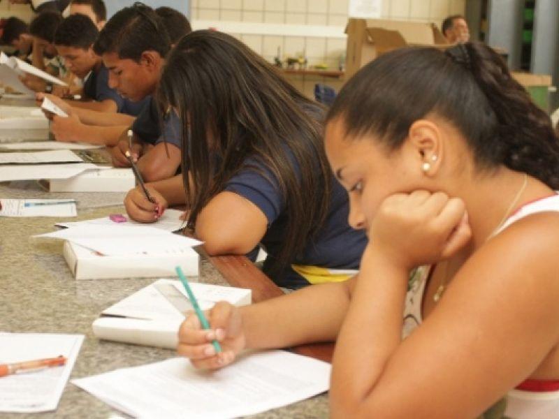 Estudantes alagoanos participam da segunda fase da Olimpíada Brasileira de Física