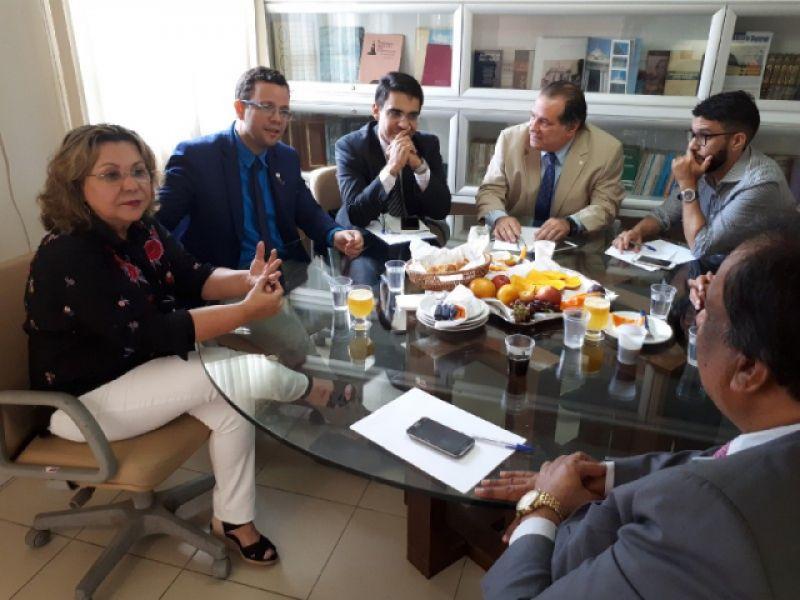 Vereador Alando Lima e membros da UVEAL visitam Almagis para firmar parcerias