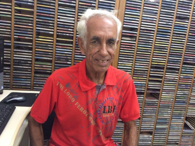 Após mais de 50 anos de magistério, Roberto Vieira se aposenta do serviço público