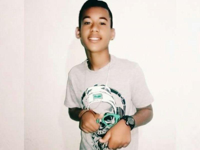 Adolescente atingido por bala perdida durante evento em Penedo morre na U.E. do Agreste