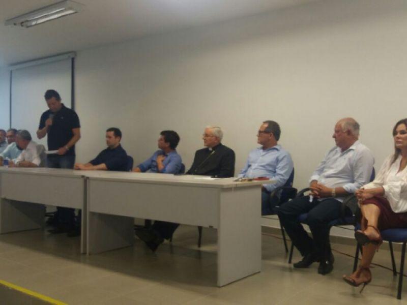 Ministro Maurício Quintela atende pedido de Marcius e Ronaldo e autoriza dragagem no Rio São Francisco