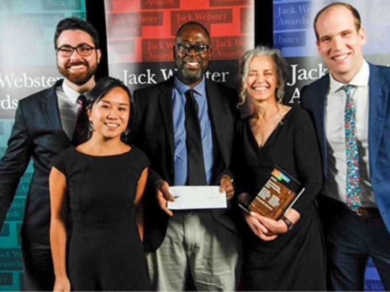 Filho de penedense recebe um dos maiores prêmios de jornalismo do Canadá