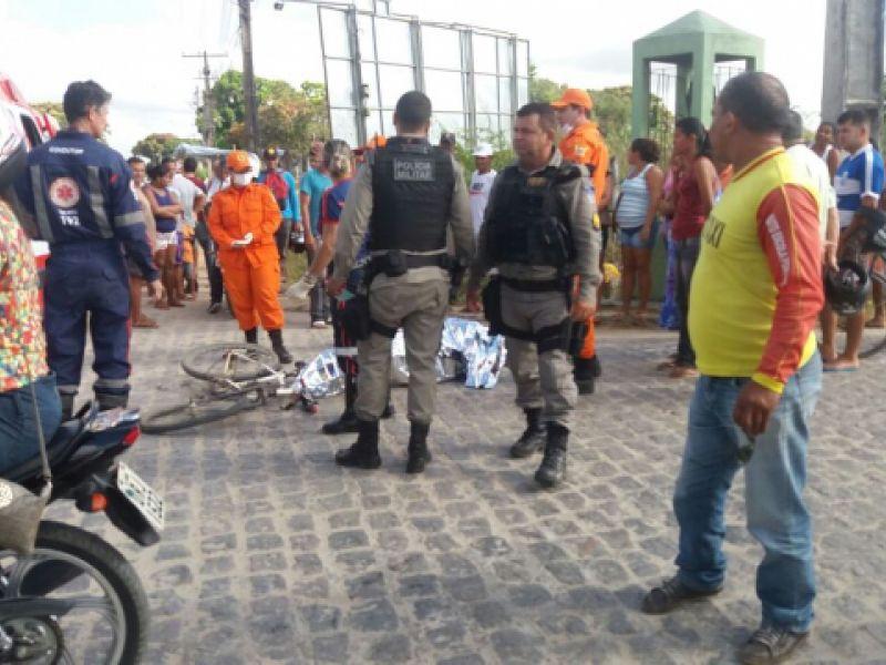 Jovem de 18 anos morre após ser atropelada por ônibus na parte alta do município de Penedo