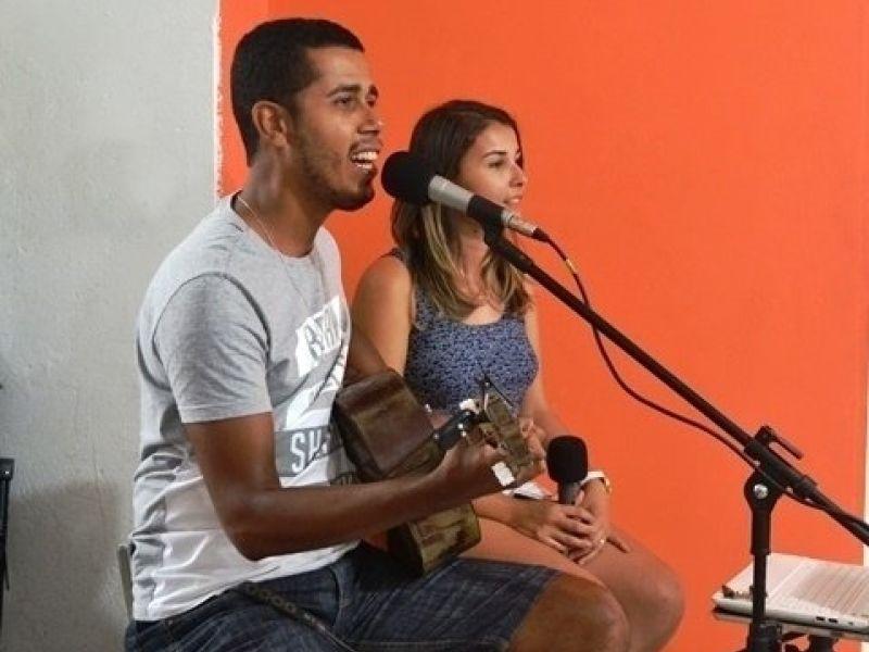 Jr.N, Karícias, Xande Brasil e Maxylene Cruz são atrações da Agenda Cultural de Penedo