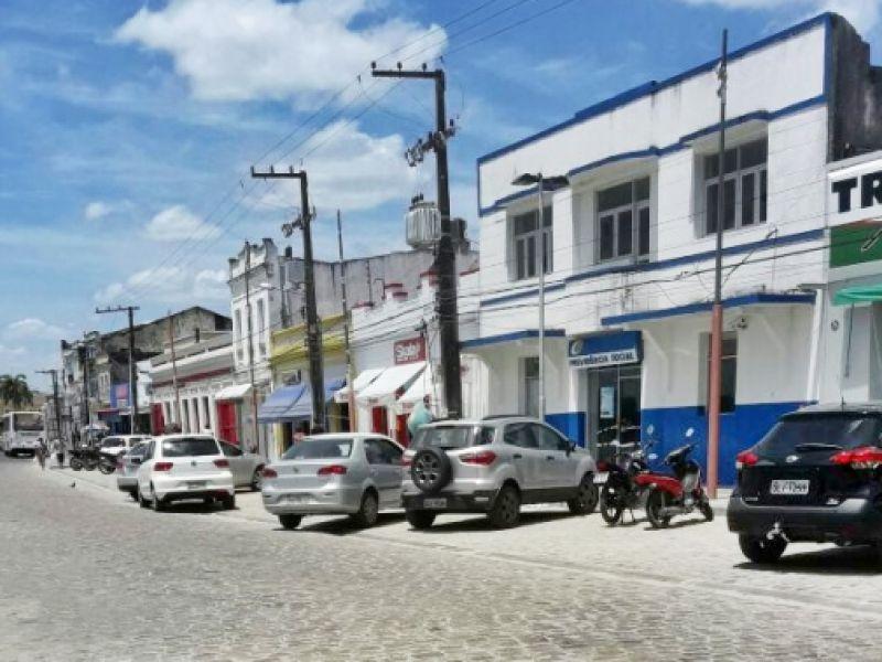 Em Penedo, comércio funcionará em horário especial para compras de Natal
