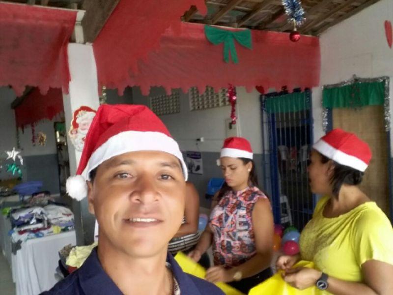 Vereador 'Rogério dos Peixoto' realiza Natal Solidário para comunidade carente de Penedo