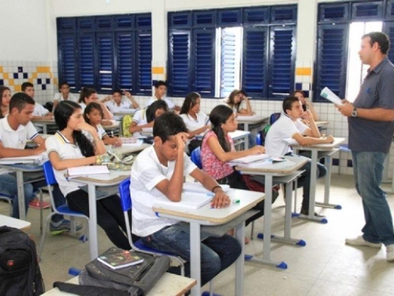 Governo de Alagoas abre edital de concurso com 850 vagas para Educação