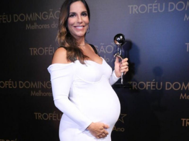 Ivete Sangalo lista desejos que teve na gravidez de gêmeas: 'Cozido e milkshake'