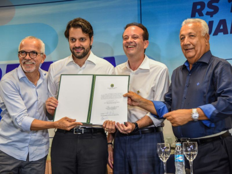Aracaju e Governo Federal assinam convênio para Plano de Mobilidade Urbana de Aracaju