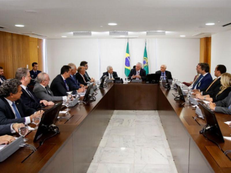 Francisco Tenório representa Alagoas em reunião com o presidente Temer