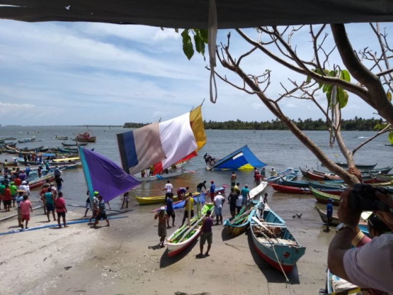 Corrida de canoas é realizada com êxito durante os festejos de Bom Jesus de Piaçabuçu