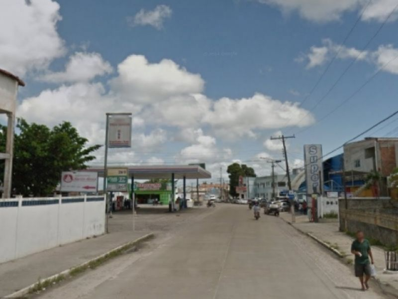 Homem é preso após agredir fisicamente a própria companheira em avenida de Penedo