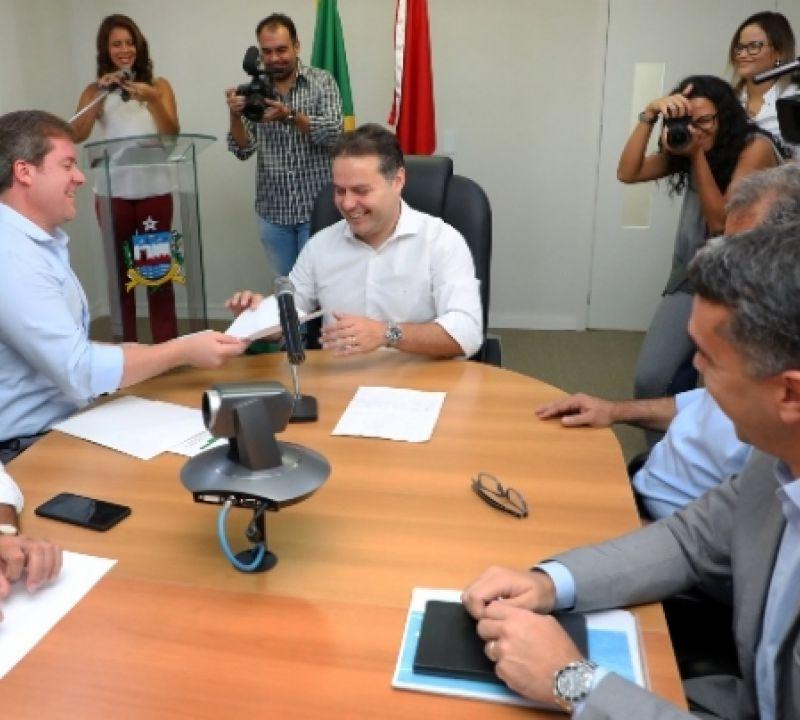Governador e ministro do Turismo anunciam obras de infraestrutura turística em AL