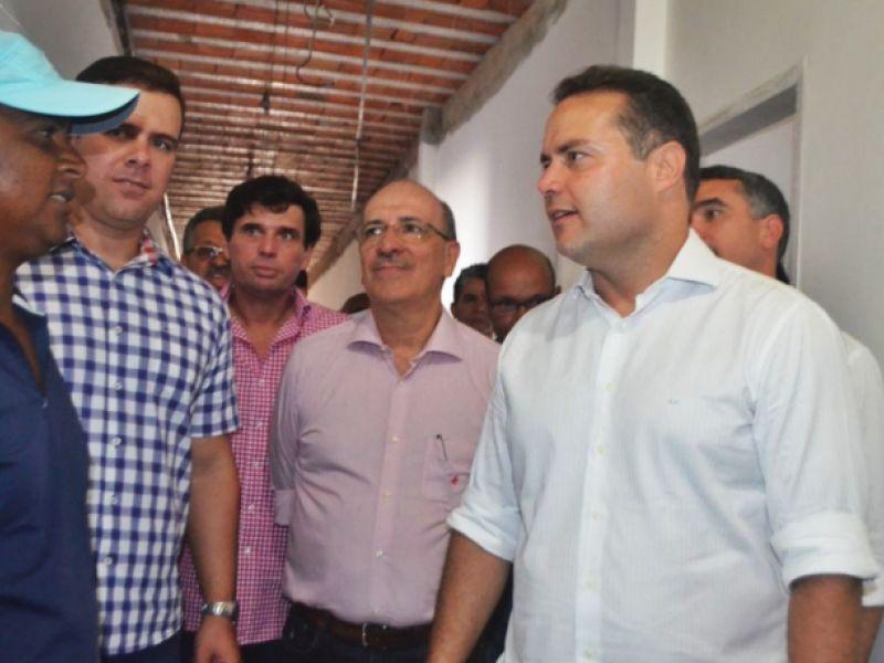 Chalé dos Loureiros estimulará visitação de turistas, diz Renan Filho em visita a obra