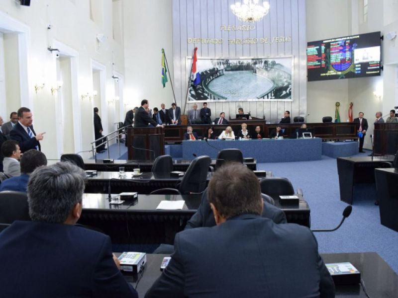 Deputados vão iniciar a semana analisando vetos do Governo do Estado
