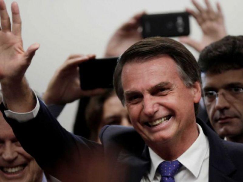 Número de faltas de Bolsonaro na Câmara quadruplica em 2017