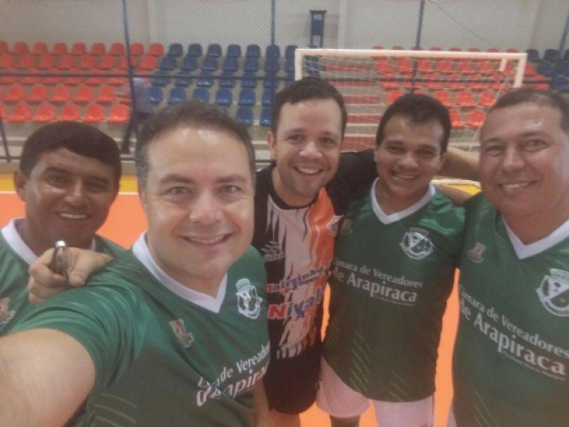 Governador Renan Filho e vereador Alando Lima participam de amistoso na manhã deste sábado (07)