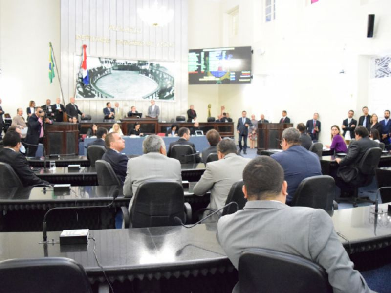 Assembleia Legislativa analisa projeto que institui o Programa Alagoano de Ensino Integral