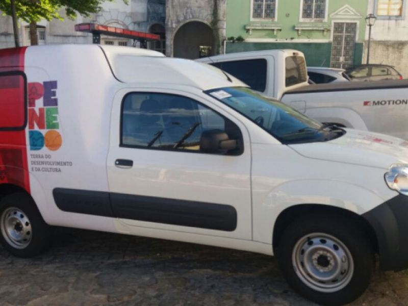 Renan Calheiros, Paulão e JHC garantem aumento da frota de veículos da Secretária de Saúde de Penedo