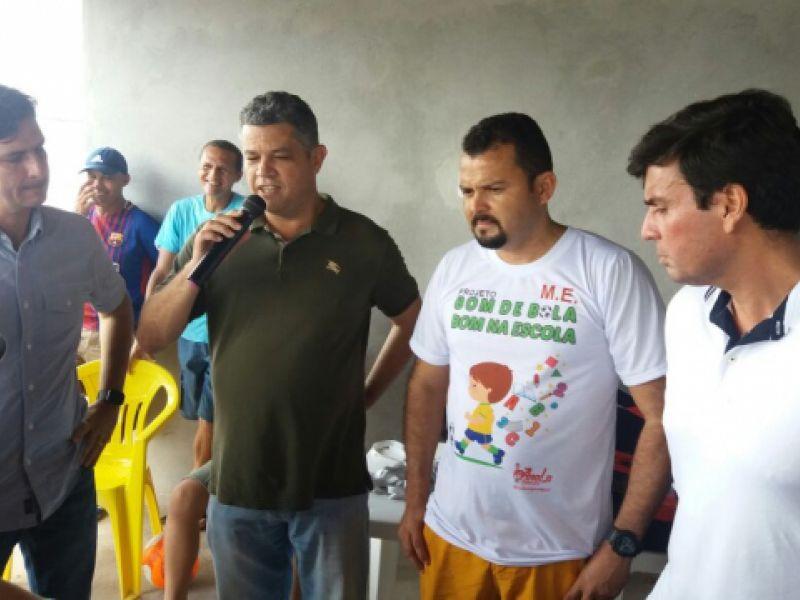 Presidente da Câmara elogia Projeto 'Bom de Bola, Bom na Escola' de iniciativa do vereador Macaxeira