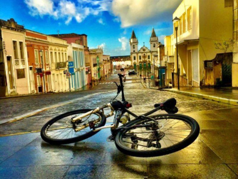 Empresário eterniza beleza de Penedo com fotografias inéditas do Largo de São Gonçalo