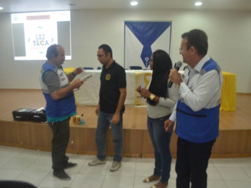 Com o objetivo de promover um trânsito humanizado, SMTT realiza ação educativa em Penedo
