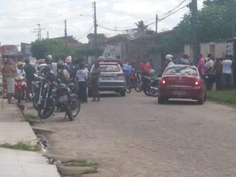 População espanca acusado de roubo em Penedo