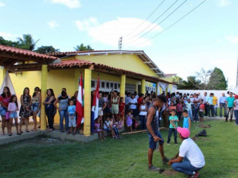 Prefeitura entrega Escola da Cooperativa II Núcleo totalmente recuperada e refrigerada